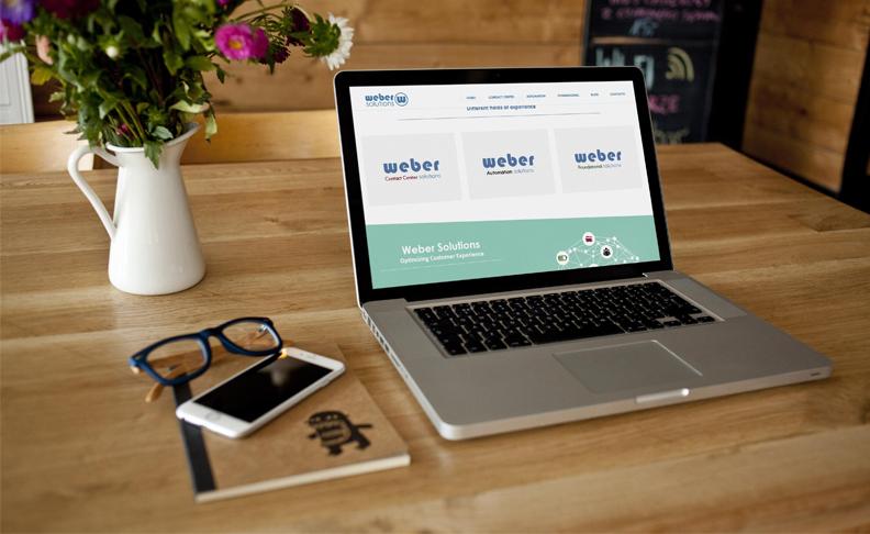 Ordenador con imagen de la página web